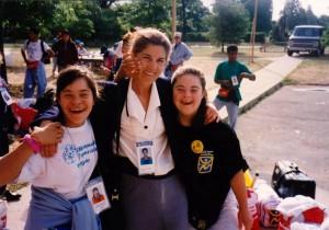 Aurora Saroba y medallistas de oro Juegos 1995 Connecticut